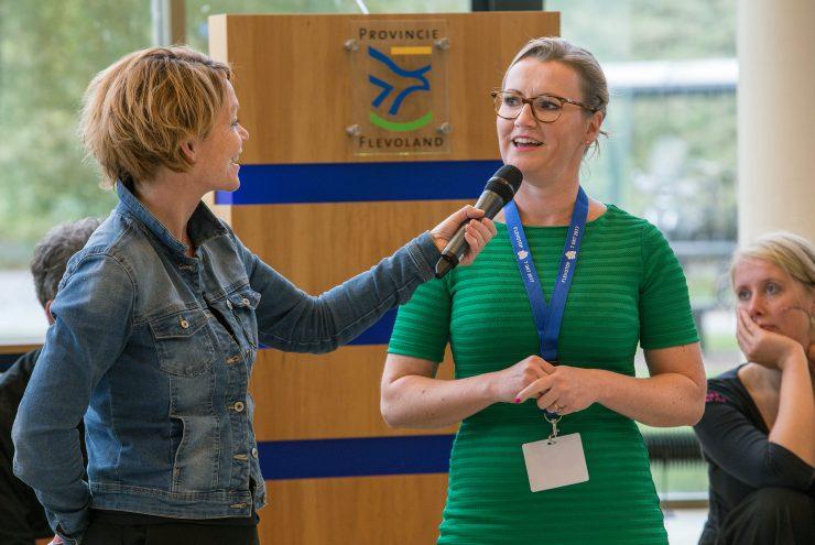 Leonie Vestering wordt geinterviewd tijdens Flevotop