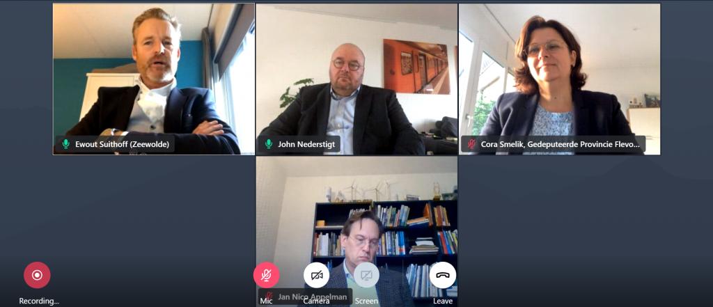 Beeld van de online sessie. In beeld zijn John Nederstigt, Ewout Suithoff, Cora Smelik en Jan-Nico Appelman